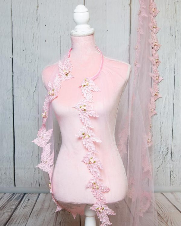 Pink tulle bridal veil | Head Turners shop